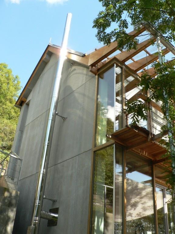 Nerezový komín+moderní montovaný dům Černošice