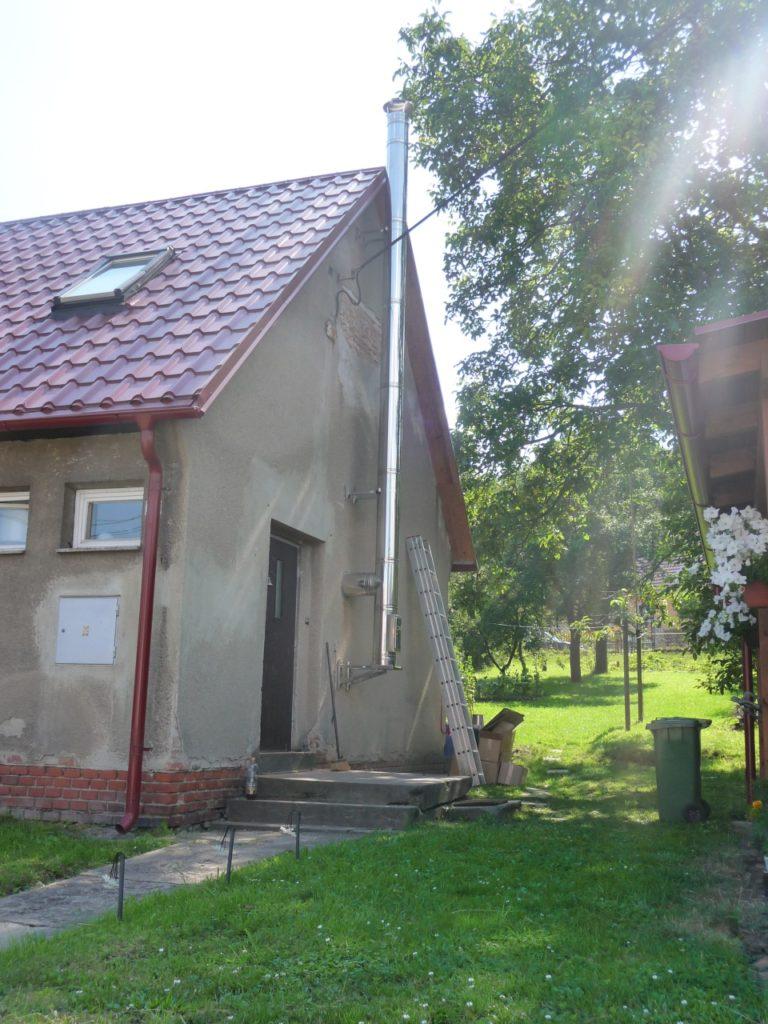 Výměna nevyhovujícího komínu za nový nerezový komín-RD Zastávka u Brna-2