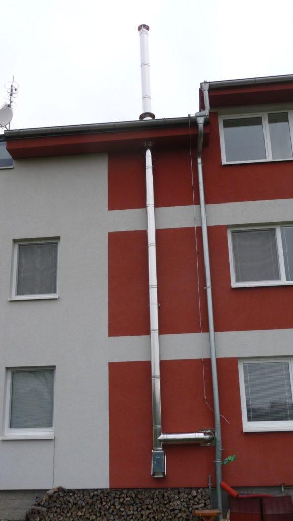 nerezový komín bytový dům Velké Bílovice